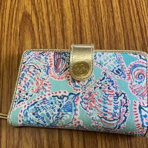Shell Me About It Lilly Wristlet